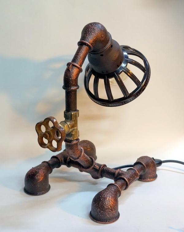 тастольная лампа от творческой мастерской д. Фёдор