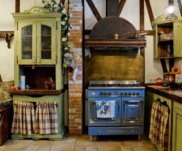 оформление кухонной вытяжки и псевдо камина от творческой мастерской д. Фёдор