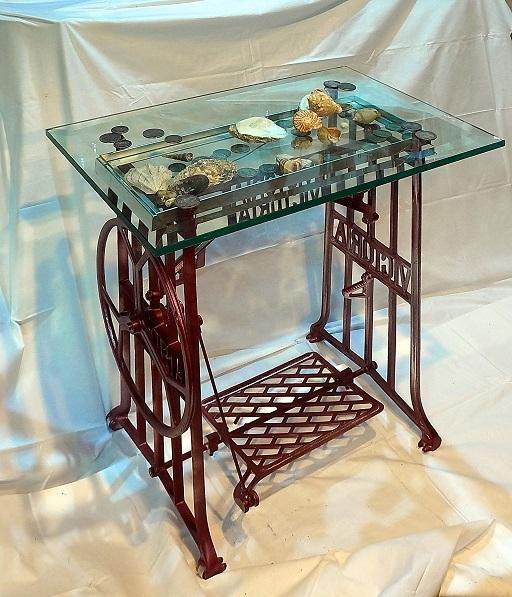 столик для рукоприкладства в девичьей от творческой мастерской д. Фёдор