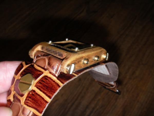 Деревянные наручные часы