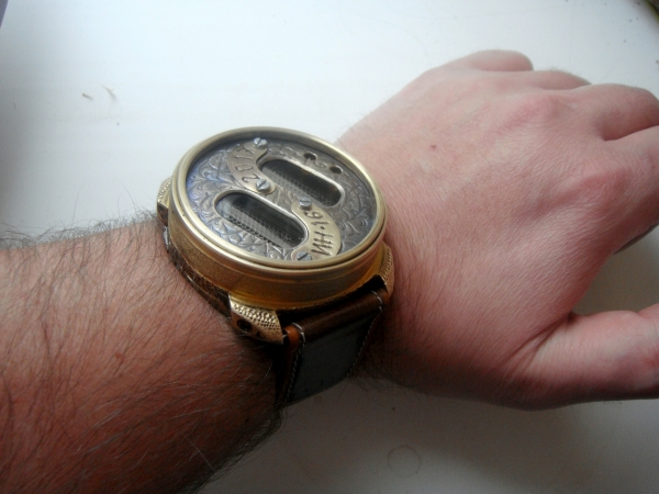 Взгляд на время под другим углом. Часы на ИН-16.