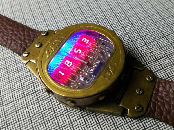 Часы на Советских индикаторах номер два.