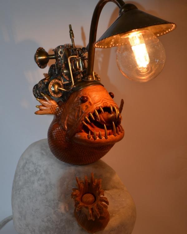 Лампа Во мраке глубин