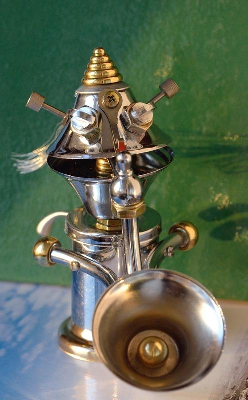 Саксофонист...
