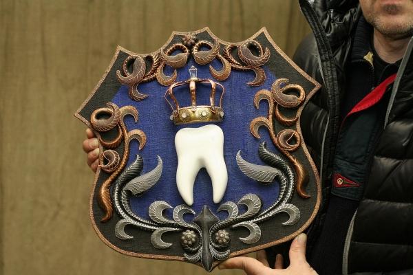 Герб стоматологии