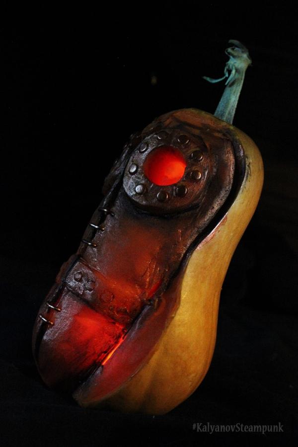 Halloween. Чумной доктор из тыквы