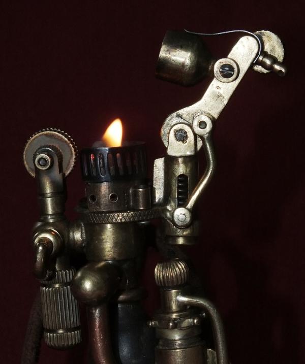 зажигалка  Ручной нагнетатель