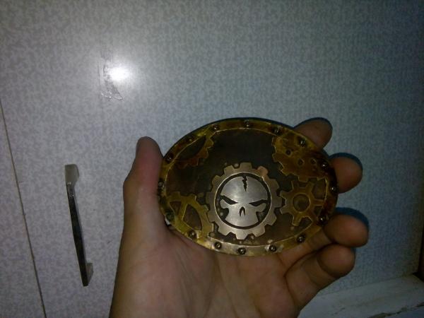 Пряжка с шестернями и черепом