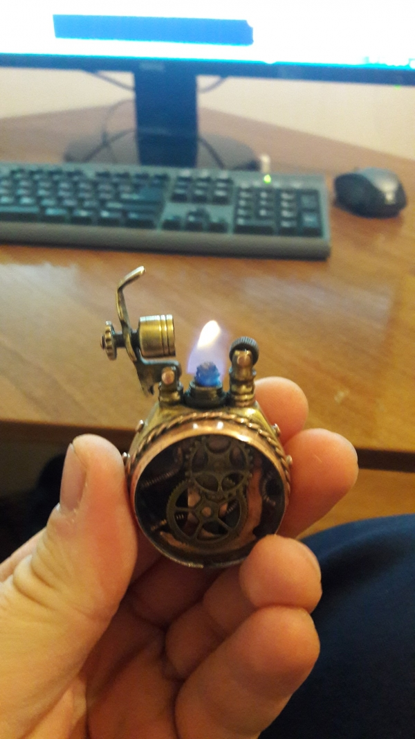 Зажигалка по стопам SA977
