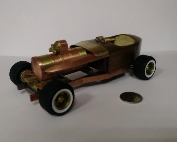 Моделька выдуманного парового автомобильчика, М1:20.