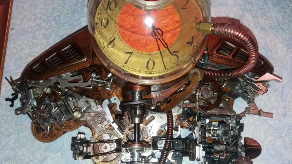 Арт-объект Часы Дракона.