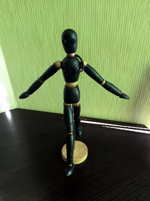 Робот в стиле стимпанк на шарнирах