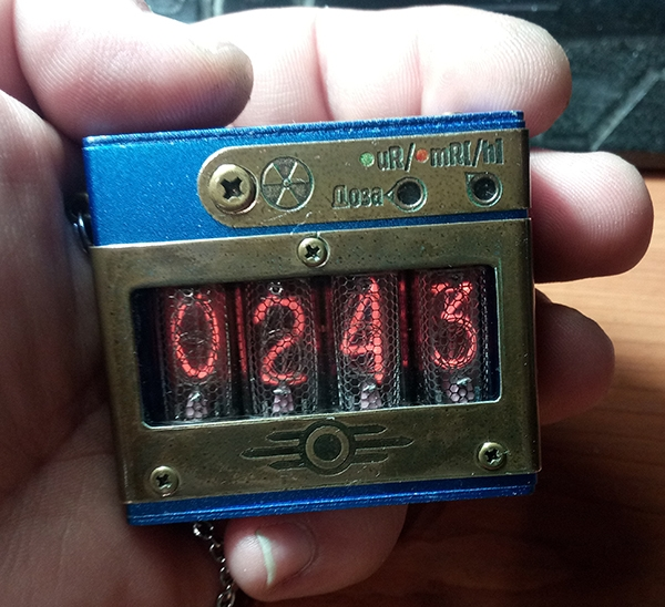 Карманный дозиметр-часы на газоразрядных индикаторах НанитЪ 3000