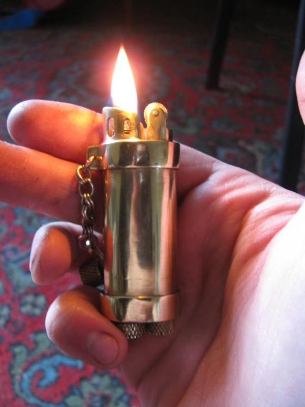 Простая зажигалка
