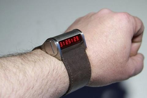 Вариант часов со сплошным ремешком
