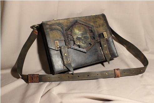 сумка кожа сшита вручную с тисненными элементами 1