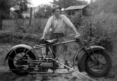 Стимпанк Байкер 1947