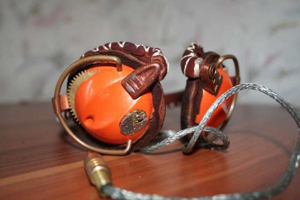 Две пары наушников (Фото 4)