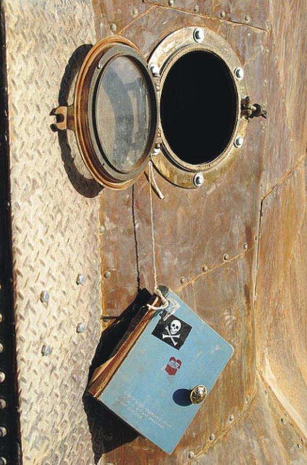 Железное дерево в песках Невады. (Фото 17)