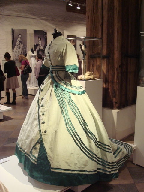 """На выставке """"Мода Викторианской эпохи"""" - платья и аксессуары 1830 - 1900 годов из собрания Александра Васильева, Париж (Фото 23)"""