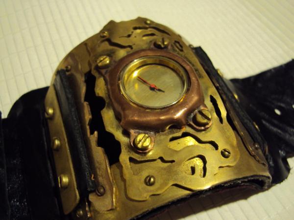 часы2 помогите  с цыферблатом