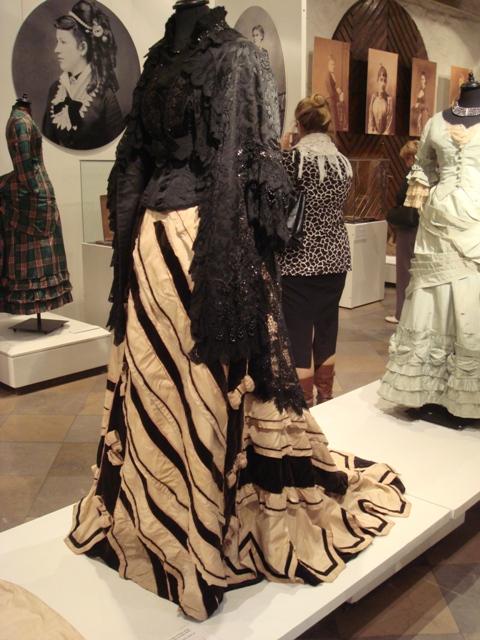 """На выставке """"Мода Викторианской эпохи"""" - платья и аксессуары 1830 - 1900 годов из собрания Александра Васильева, Париж (Фото 19)"""