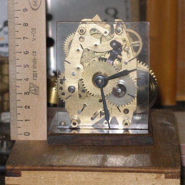 Скелетные часы из будильника