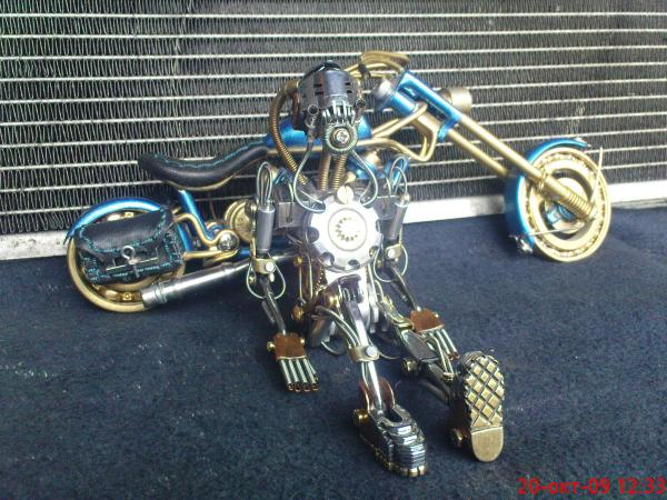 робот байкер в стиле киберпанк (Фото 6)