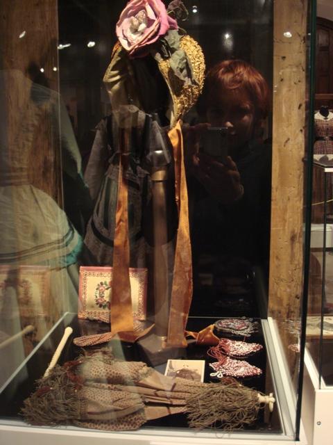 """На выставке """"Мода Викторианской эпохи"""" - платья и аксессуары 1830 - 1900 годов из собрания Александра Васильева, Париж (Фото 24)"""