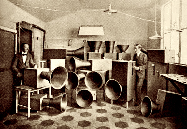 steampunk noise scene :-)