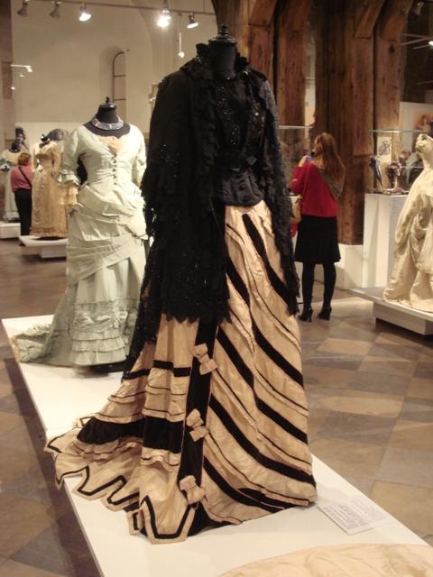 """На выставке """"Мода Викторианской эпохи"""" - платья и аксессуары 1830 - 1900 годов из собрания Александра Васильева, Париж (Фото 18)"""