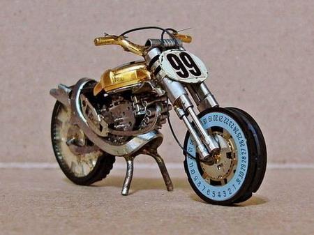 Мотоциклы из часовых механизмов (Фото 8)