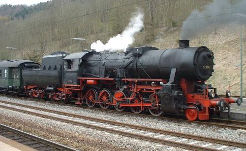 Немецкий паровоз BR-52