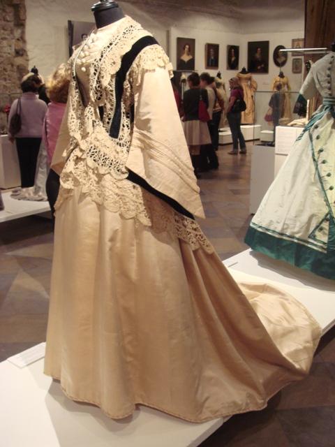 """На выставке """"Мода Викторианской эпохи"""" - платья и аксессуары 1830 - 1900 годов из собрания Александра Васильева, Париж (Фото 26)"""