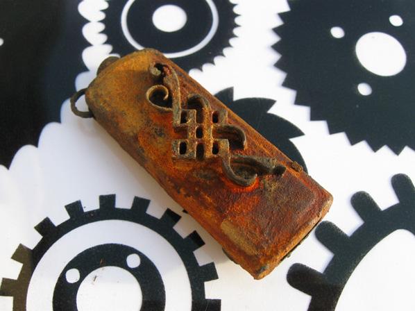 Флешки в стиле стимпанк, покрытые ржавчиной (Фото 4)
