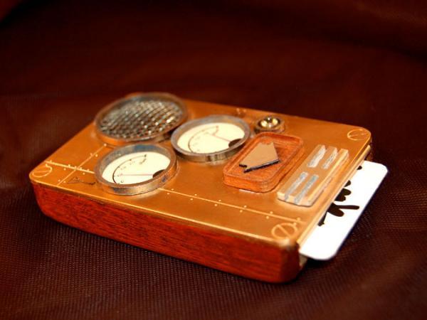 Мобильный телефон в стиле стимпанк