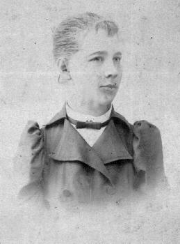 Сафонова С.М. в день отъезда на Бестужевские курсы в Петербург. 1895г.