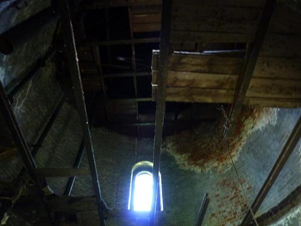 Обстановка внутри башни.