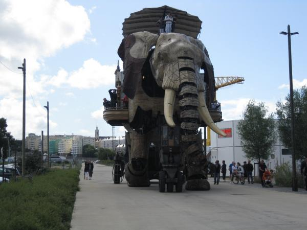 Санкт-Петербург встречает машинистов из Нанта (Фото 4)