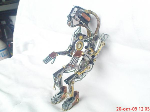робот байкер в стиле киберпанк