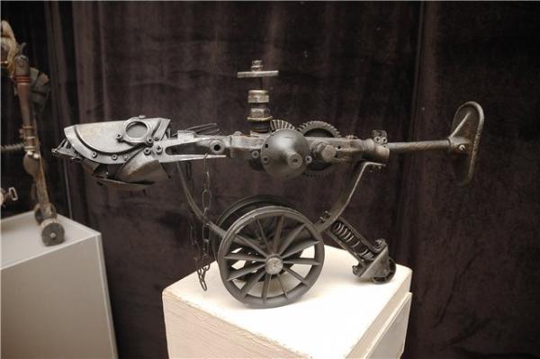 Механическая скульптура в женском исполнении (Фото 7)