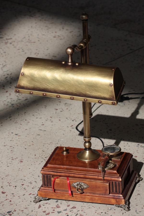 Лампа в стиле стимпанк
