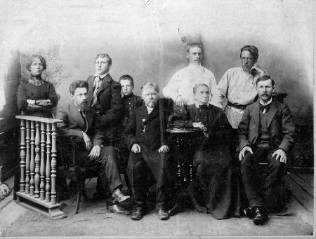Семья Сафоновых, г. Новониколаевск. 1900 г.