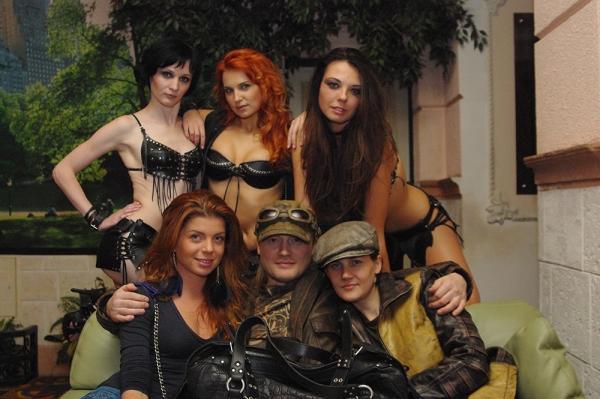 FamilySkiners с моделями и визажистом Катей