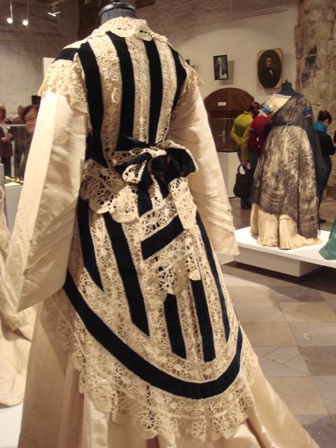 """На выставке """"Мода Викторианской эпохи"""" - платья и аксессуары 1830 - 1900 годов из собрания Александра Васильева, Париж (Фото 25)"""