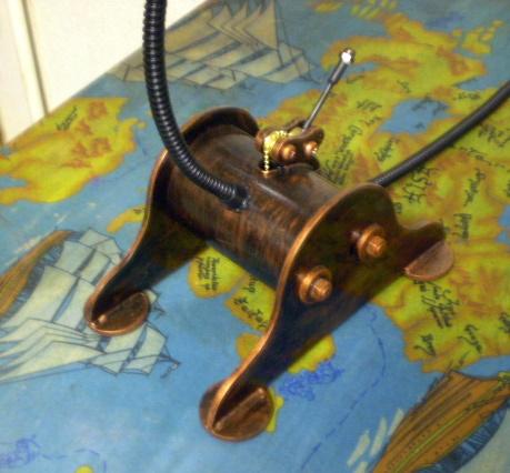 Лампа и медалька (Фото 3)