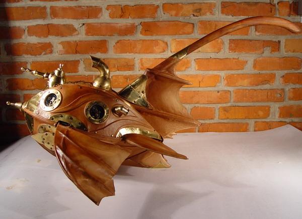 Игрушка-толкалка, крыльями махалка