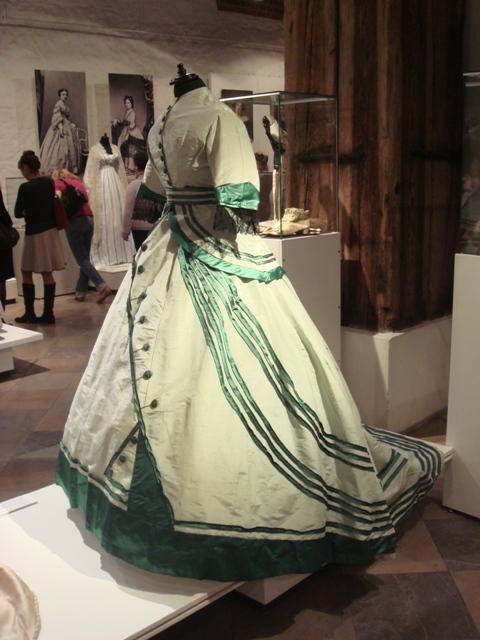 """На выставке """"Мода Викторианской эпохи"""" - платья и аксессуары 1830 - 1900 годов из собрания Александра Васильева, Париж (Фото 22)"""