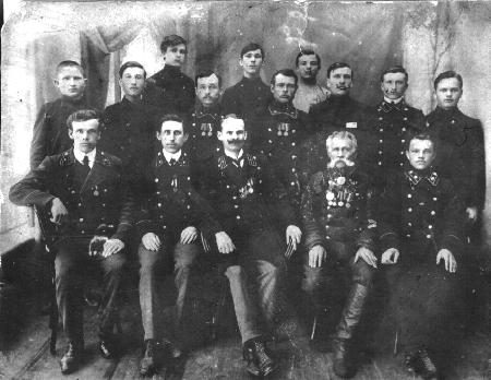 Служащие Колыванской почты