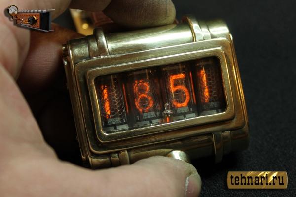 В электронной части добавлен индикатор зарядки аккумулятора.